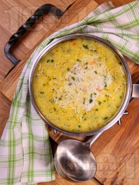 Вкусна пилешка супа с картофи, фиде и застройка от прясно мляко - снимка на рецептата